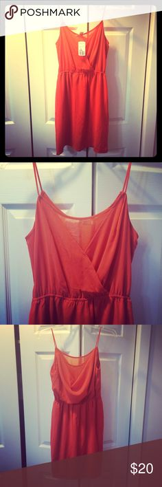 Gorgeous Summer Dress NWT Orange dress nice detail in front & drap-ey in back NWT XS Forever 21 Dresses Mini