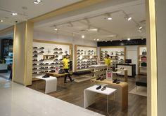 Mẫu thiết kế cửa hàng giày dép đẹp, ấn tượng, mang vẻ sang trọng, quý phái cho cửa hàng của bạn