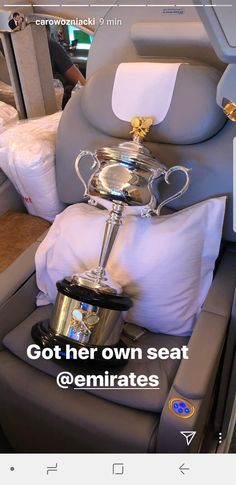 "The Australian Open trophy - ""Daphne"" - gets her own seat on the plane. Simona Halep, Caroline Wozniacki, Australian Open, Tennis Players, Sport, Plane, Champion, Beauty, Deporte"