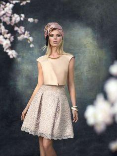 Vestito con crop top Carla Ruiz - Idee look per matrimonio d'estate: modello corto con top cipria