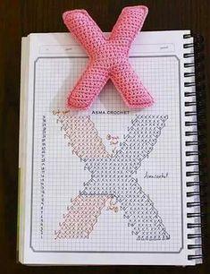 Crochet Alphabet Letters, Free Crochet, Knit Crochet, Crochet Keychain, Letter Patterns, Cross Stitch Embroidery, Crafty, Knitting, Handmade