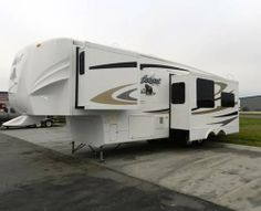2009, Cedar Creek Silverback Unit was a factory show model purchased NEW in 2012. Transferable warranty coverage until through 2017 - See more at: http://www.rvregistry.com/used-rv/1004123.htm#sthash.nIimv8YZ.dpuf