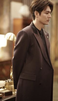 Vincent Kompany, Lee Jong Suk, New Actors, Actors & Actresses, Korean Celebrities, Korean Actors, Beautiful Celebrities, Celebs, Lee Min Ho Profile