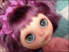 I love this custom girl by Sonia Gasperini. Such a cute haircut.