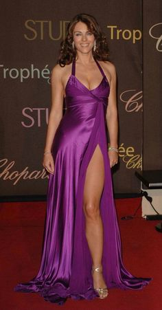 Elizabeth Hurley, Women With Beautiful Legs, Beautiful Old Woman, Gala Dresses, Sexy Dresses, Formal Dresses, Purple Suits, Sexy Shirts, Voluptuous Women