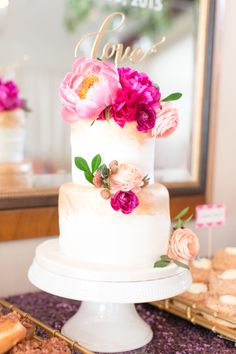 Colorful, chic cake: http://www.stylemepretty.com/florida-weddings/winter-park-fl/2015/08/12/bright-whimsical-winter-park-wedding/ | Photography: Amalie Orrange - http://amalieorrangephotography.com/