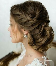 when i see all these messy updo wedding hairstyles it always makes me jealous i wish i could do something like that I absolutely love this messy updo wedding hairstyles so pretty! Perfect!!!!!
