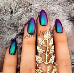 Mirror powder chrome effect art nail pigment holo blue purple silver green nails # Crome Nails, Color Changing Nails, Super Nails, Green Nails, Purple Chrome Nails, Neon Purple Nails, Purple And Silver Nails, Chrome Nail Art, Green Nail Art