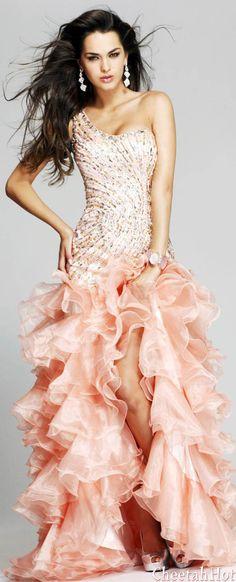 SHERRI HILL - Authentic Designer - Beautiful Peach Dress- remind me of my old peach Barbie!