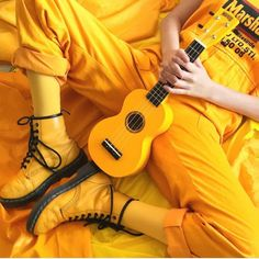 Yellow Ukulele ❤️ It is time you introduce some yellow aesthetic colors in your life! Everything from nail art ideas to room décor involving yellow hues is gathered here! Yellow Aesthetic Pastel, Orange Aesthetic, Rainbow Aesthetic, Aesthetic Colors, Aesthetic Collage, Aesthetic Photo, Aesthetic Pictures, Mellow Yellow, Orange Yellow