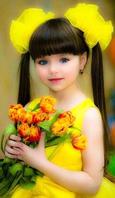 Little Girl Photos, Little Girl Models, Cute Baby Girl Pictures, Cute Little Girls Outfits, Cute Girl Dresses, Beautiful Little Girls, Beautiful Children, Beautiful Babies, Cute Kids