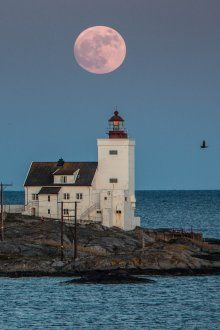 "Homborsund firehouse, Grimstad, Norway ""Super moon"""