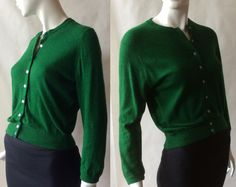 emerald green cashmere cardigan, made by Ballantyne in Scotland for I. Magnin, small / medium / medium by afterglowvintage… European Style, European Fashion, Cashmere Cardigan, Emerald Green, Looks Great, Scotland, 1950s, Vintage Outfits, Men Sweater