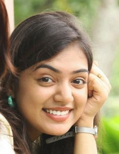 Nazriya Nazim Biography like Zodiac Sign, Family Pics, Biodata, Height, Weight, Affairs, Age, Personal Photos Image, DOB, and Husband