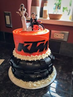 KTM Dirtbike Wedding Cake | Hey Cupcake!