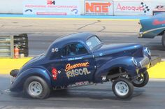 The Willys gasser was popular for its light weight, but it's foolish to run a in a flimsy frame. How to build a modern Willys gasser frame. Vintage Race Car, Vintage Trucks, Classic Chevy Trucks, Classic Cars, Old School Muscle Cars, Nissan Gt, Drag Cars, Drag Racing, Fast Cars