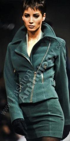 Christy Turlington - Azzendine Alaia Runway Show 1990'