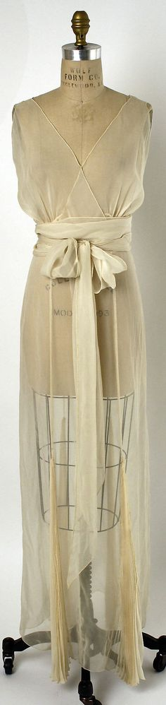 In love with this nightgown! I think it needs a silk robe though. Nightgown, mid 1930s