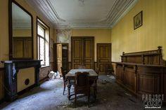 Come dine with me... More photos and full report on my website: www.urbex.wtf  #urbex #urbanexploration #abandoned #derelict #empty #jj_urbex #jj_abandoned #grimelords_urbex #nexus_urbex #urbex_prestigious #urbex_supreme #urbxtreme #europe_decay #urbex_junkies #urbandecay #abandoned_junkies #urbexnetwork#ic_urbex #ig_urbex #ig_abandoned #the_relics #grime_lords #all_is_abandoned #igw_decay #kings_abandoned #shoot2kill #instagood #justgoshoot #decay_and_style #bpa_urbex