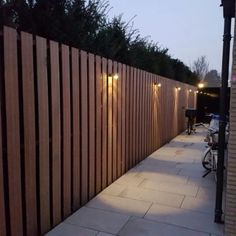 Ponds Backyard, Backyard Fences, Backyard Landscaping, Diy Fence, Fence Ideas, Wood Fence Design, Modern Fence Design, Front Garden Entrance, Garden Fence Panels