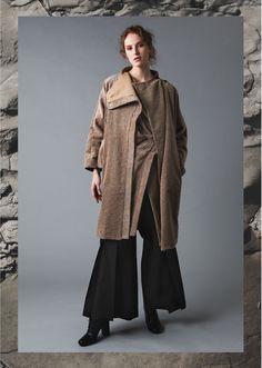 AMETSUBI 17AW WOMENSWEAR See the complete collection on www.ametsubi.com    #Ametsubi #Fashion #EmergingDesigner #17AW  #Womenswear Fall Winter, Autumn, Winter Collection, Duster Coat, Women Wear, Jackets, Fashion, Down Jackets, Moda