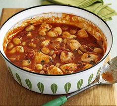 Quick Chicken Chasseur ~ Per serving:  298 calories, protein 43g, carbohydrate 6g, fat 12 g, saturated fat 4g, fibre 2g, sugar 2g, salt 2.65 g