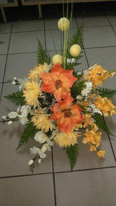 Vence, Ikebana, Flower Arrangements, Floral Wreath, Wreaths, Flowers, Plants, Home Decor, Floral Arrangements