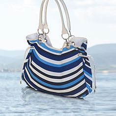 Blue Ocean Bag - NEW ! Limited Edition - Accessories - Shop for Oriflame Sweden - Oriflame cosmetics –UK & USA - Blue Ocean Bag 24620|orinet/limited edition