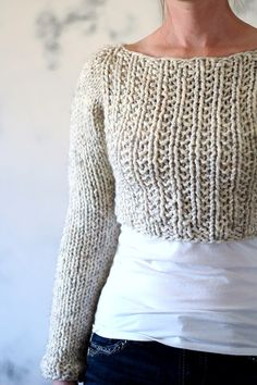 Find the 12 best warm, gorgeous chunky knit sweater patterns you just have to have. Knit them up in a weekend and snuggle in them all winter! Mens Knit Sweater Pattern, Sweater Patterns, Knit Patterns, Sweater Weather, Pull Crop Top, Bauchfreier Pullover, Crop Top Pattern, Chunky Knitting Patterns, Crop Top Sweater