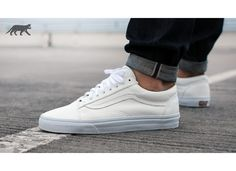 vans old skool true white suede