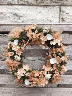 Kranz aus Kunstblumen.. von @depot_online Floral Wreath, Wreaths, Home Decor, Fake Flowers, Crown Cake, Homemade Home Decor, Flower Crown, Deco Mesh Wreaths