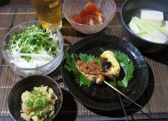 今日も暑かったですねカンパイ〜 - 16件のもぐもぐ - 鳥胸肉で串焼(チーズ&梅)鳥皮ポン酢、鳥皮を煮たスープで湯豆腐(暑いけど^^;)、大根サラダほか by 純
