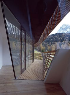 Strata Hotel/extension to Residence Königswarte by Plasma Studio Timber Architecture, Unique Architecture, Residential Architecture, Landscape Architecture, Modern Exterior, Exterior Design, Ouvrages D'art, Solar Shades, Amazing Spaces