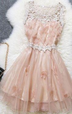 queenbee1924:  (1) sweet dress   ~ A Vintage Life ~   Pinterest)