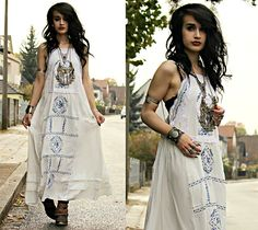 Get this look: http://lb.nu/look/7874224 More looks by Tessa Diamondly: http://lb.nu/tessadiamondly Items in this look: Sheinside Embroidered Maxi Dress #bohemian #edgy #grunge