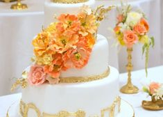 White and Gold Wedding Cake with Bright Peach Orange Yellow Sugar Flowers White And Gold Wedding Cake, Wedding Cake Red, Orange Wedding, Wedding Colors, Dream Wedding, Wedding Bells, Fall Wedding, Wedding Ceremony, Wedding Gowns
