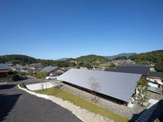 Matsuyama .  Private house . Sasebo (8) Japan Design, Rural House, House 2, Japanese Architecture, Contemporary Architecture, Dream Home Design, House Design, Farm Village, House Of The Rising Sun