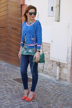 Hype Glass sunglasses and Mismash Askani t-shirt