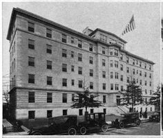 The Devil's Triangle, Richmond, Virginia: Image of Johnston-Willis Hospital, 1928 (now Kensington Court Apts)my brother Mark had his tonsils out here Virginia History, Confederate States Of America, Old Dominion, Virginia Homes, Richmond Virginia, Main Street, Historical Photos, Old Photos, Places To Go