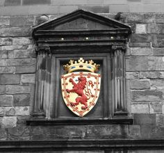 scotland crest in edinburgh
