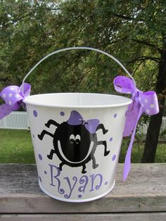 Halloween bucket: Personalized Halloween bucket pail - girly spider design - trick or treat Halloween Vinyl, Halloween Buckets, Halloween Silhouettes, Halloween Bags, Halloween 2013, Holidays Halloween, Halloween Crafts, Holiday Crafts, Halloween Decorations