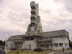 Tulsa has the fourth largest concentrations of Art Deco in the U. Concrete Architecture, Futuristic Architecture, Amazing Architecture, Contemporary Architecture, Art And Architecture, Art Deco Buildings, Unique Buildings, Casa Art Deco, Religious Architecture