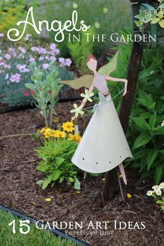 Would you like an angel in your garden? Here's 15 angel garden art ideas from rustic, to elegant. Remember a loved one or simply enjoy these charmers. Could duplicate in wood for outside or paper for inside. Diy Garden Projects, Garden Crafts, Outdoor Projects, Outdoor Art, Outdoor Gardens, Outdoor Rooms, Outdoor Living, Garden Angels, Garden Deco
