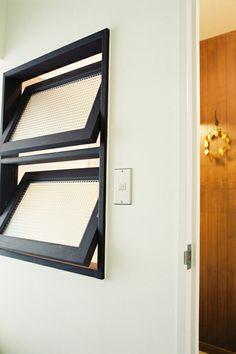 室内窓 Home Room Design, Aluminium Windows And Doors, Main Entrance Door Design, Interior Architecture Design, Doors Interior, Door Design Modern, Hostels Design, Small House Exteriors, Kitchen Window Design