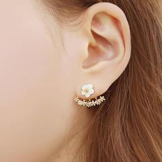 Buy 'soo n soo – Flower Drop Earrings' with Free International Shipping at YesStyle.com. Browse and shop for thousands of Asian fashion items from South Korea and more!