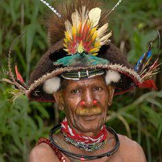 http://nadlerphotography.com/archivespapua-new-guinea  Huli Wigmaster in Mt. Ambua area