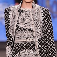 patternprints journal: PRINTS, PATTERNS, TEXTURES AND TEXTILE SURFACES FROM NEW YORK FASHION WEEK (WOMENSWEAR F/W 2015-16) / Naeem Khan