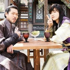 Sam Maek Jong (Hyungsik) with his loyal bodyguard Pa-O (Yoo Jae Myung)✌ *Yoo Jae Myung who will also play in 'Strong Woman Do Bong Soon' as Bong Soon's father #박형식 #형식 #박서준 #고아라 #민호 #김태형 #도지한 #조윤우 #화랑 #parkhyungsik #parkseojoon #goara #choiminho #kimtaehyung #dojihan #jooyoonwoo #hwarang #kdrama #kactor #silla #sageuk #beautifulknights #hailtotheking #kbs2tv #handsomeboy #hwarangday  Credits to Naver