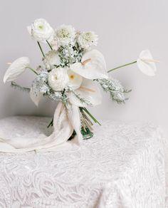 F r e s h : anthurium, ranunculus, scaviosa E v e r l a s t i n g : hydrangea, fern, straw flower Fox Design, Floral Design, Flower Shape, Floral Arrangements, Wedding Flowers, Floral Wreath, Shapes, Inspiration, Image