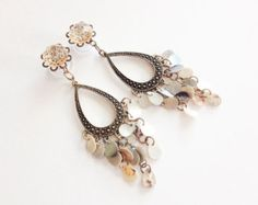 00g Dangle Plugs, Chandelier Dangle Gauges, 8mm 0g Ear Plugs Gold Center and Shell Beads, 10mm Bohemian Dangly Plugs